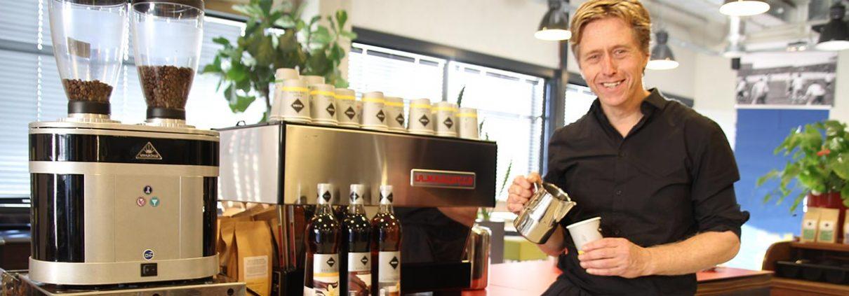 Koffiebar-op locatie met barista inhuren-1030x354