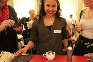 koffiebar op locatie chocolade-etching-workshop-cappuccino-latte-300x200