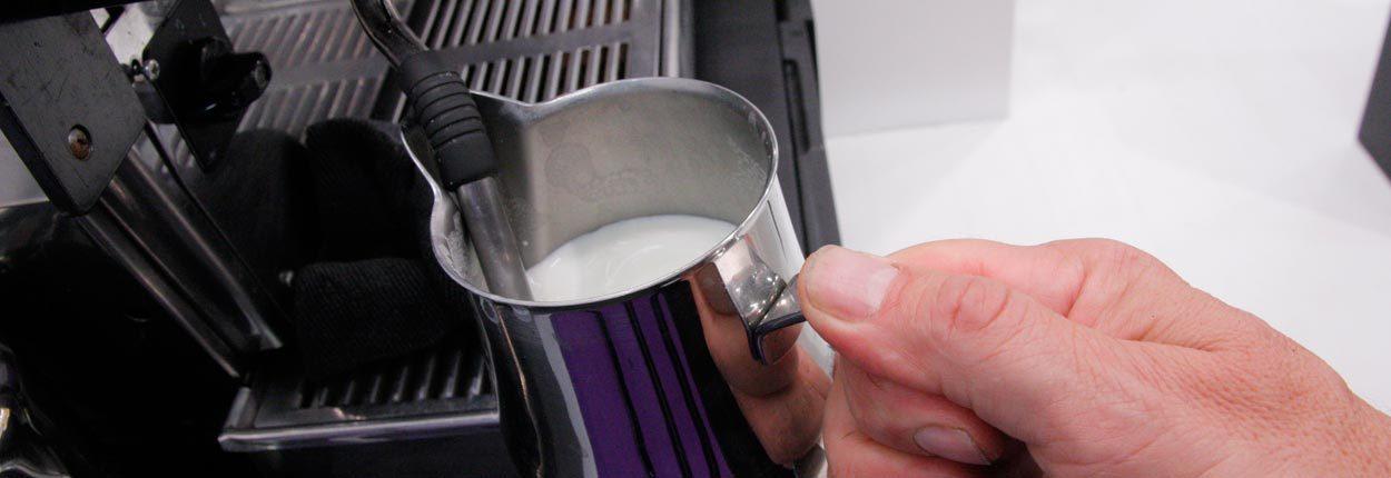 Melk-opschuimen-1030x354